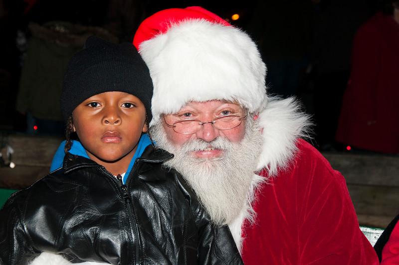 Santa_Visits_Lansdowne_06