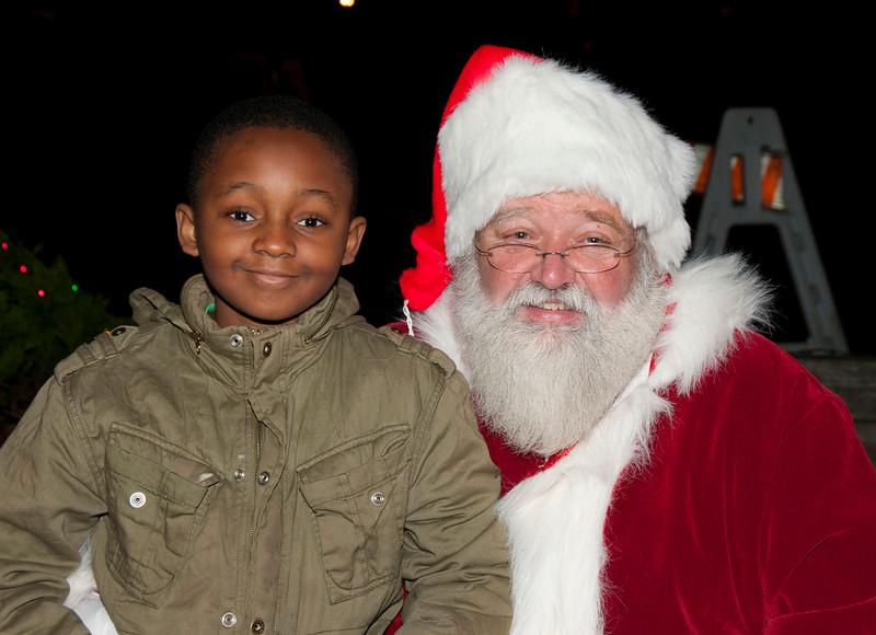 Santa_Visits_Lansdowne_31