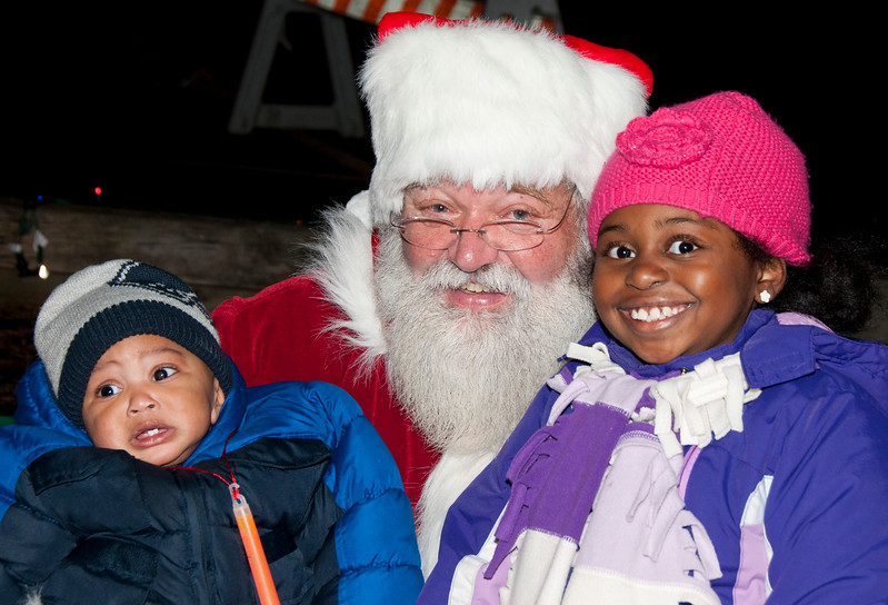 Santa_Visits_Lansdowne_44