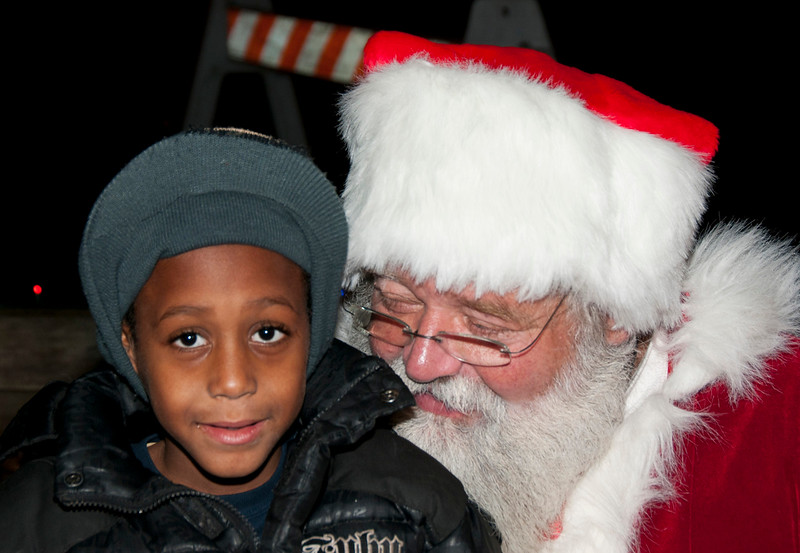 Santa_Visits_Lansdowne_47