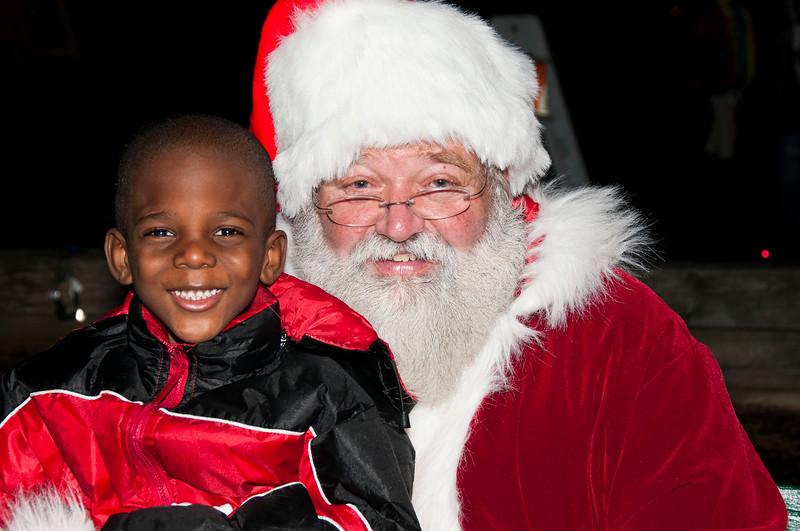 Santa_Visits_Lansdowne_19