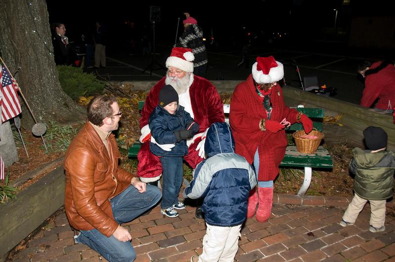 Kids_with_Santa_39