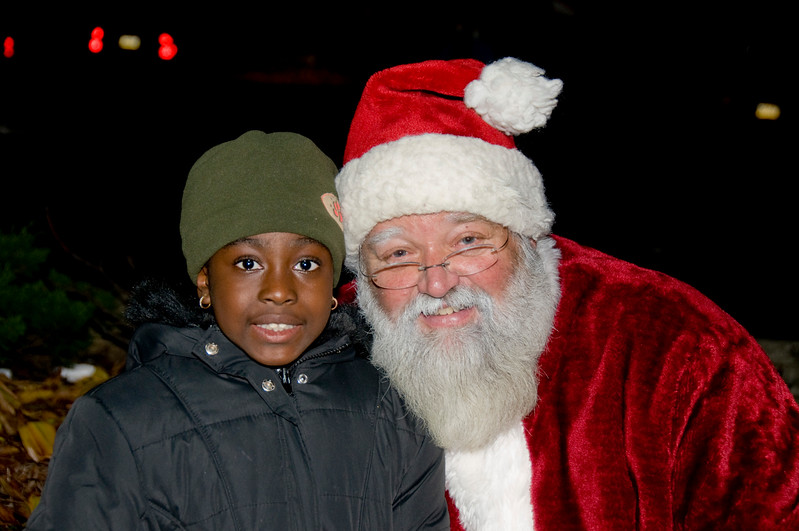 Kids_with_Santa_28