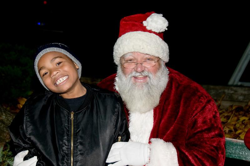 Kids_with_Santa_72