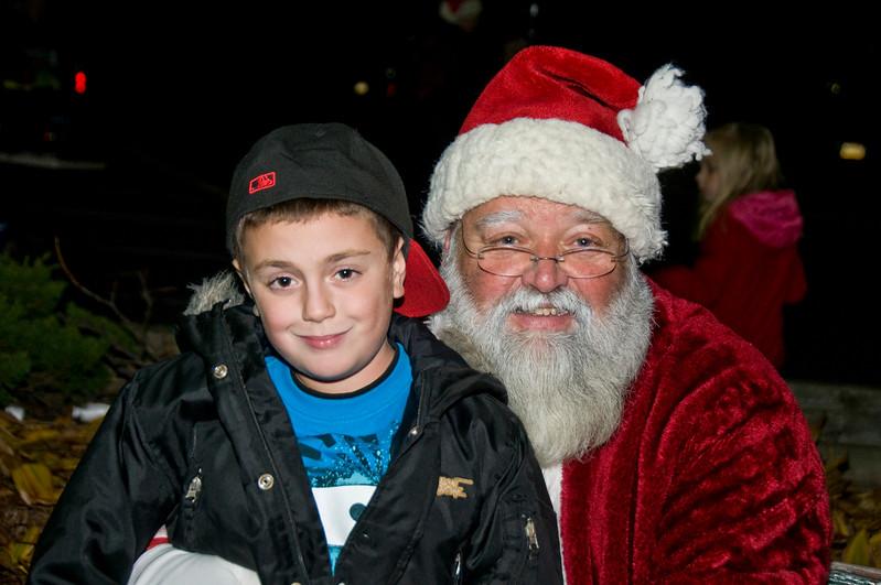 Kids_with_Santa_21