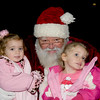 Kids_with_Santa_32