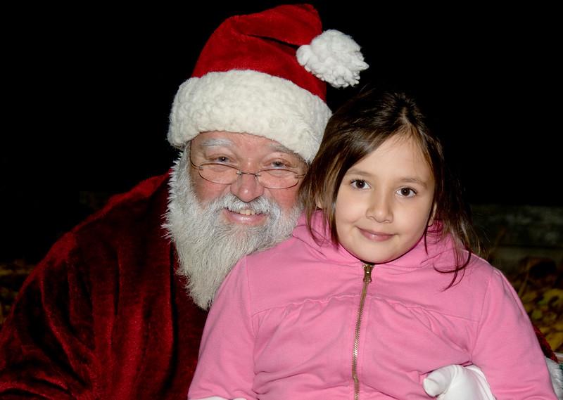 Kids_with_Santa_47