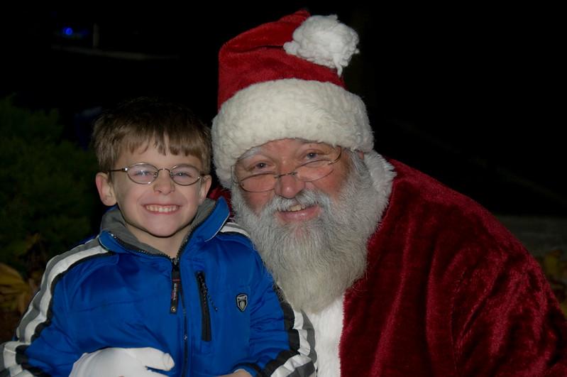 Kids_with_Santa_55