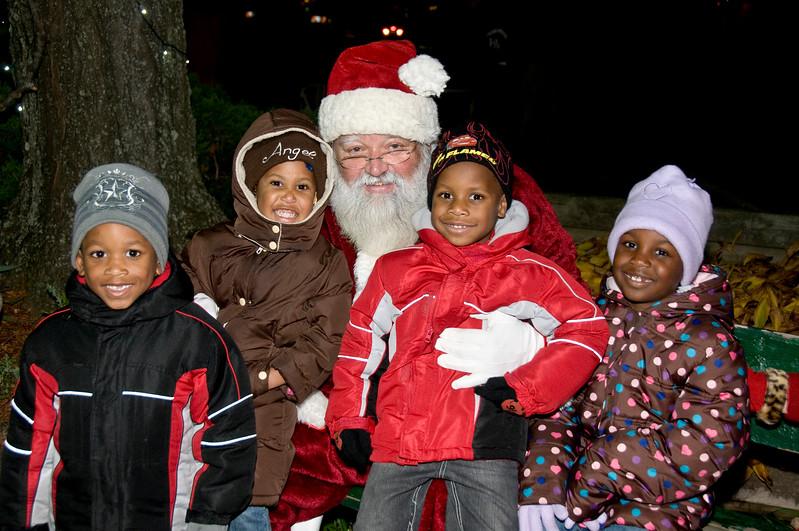 Santa Visits Lansdowne 2010