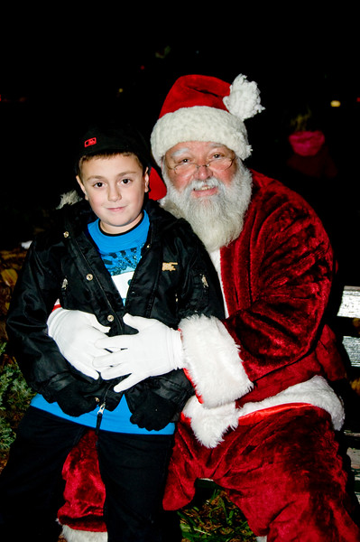 Kids_with_Santa_20