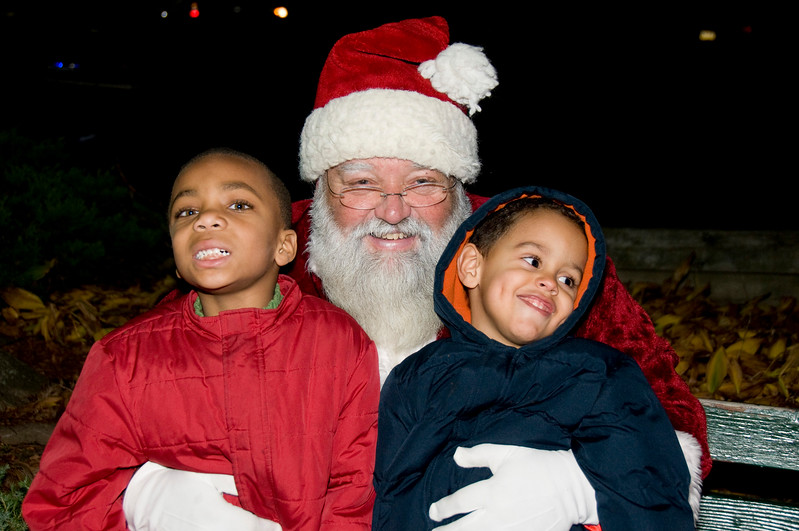Kids_with_Santa_62