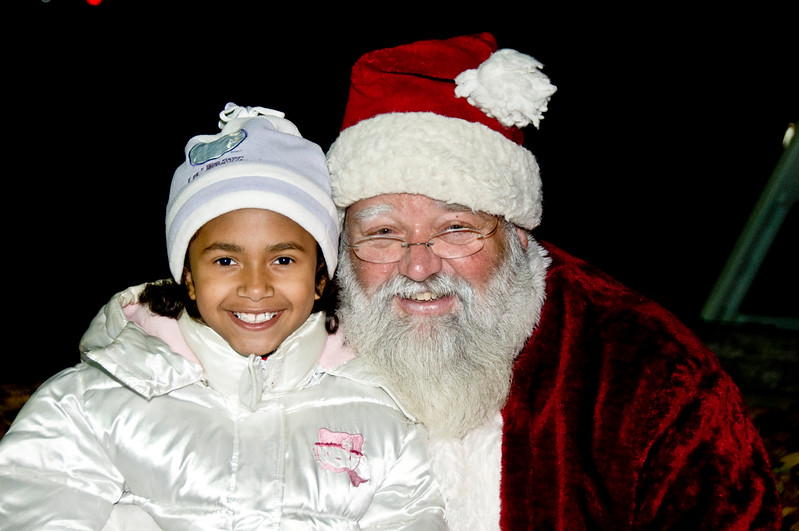 Kids_with_Santa_69
