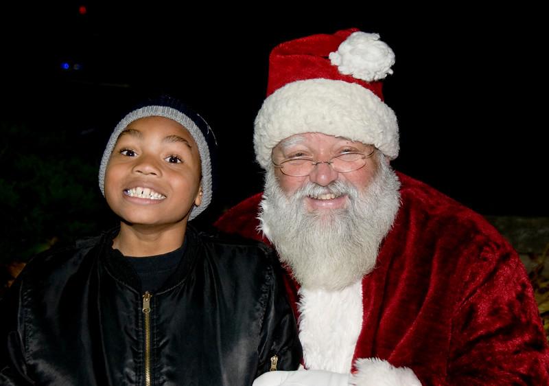 Kids_with_Santa_73