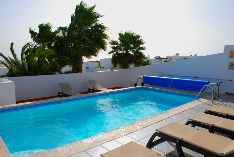 The pool area of the Bay View Villa in Playa Blanca