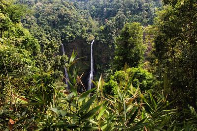Ponad 100 metrowy wodospad