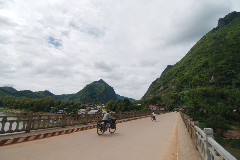 Leaving Nong Khiaw