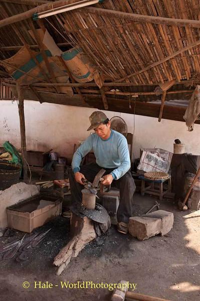 A Ban Hat Hien Blacksmith