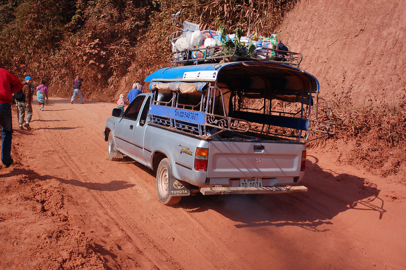 The pickup unable to make it up the hill, the passengers had to get off.