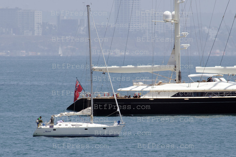 Billionaire Larry Ellison Cruise in Malibu