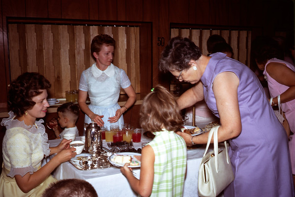 June 28, 1970. Nancy, Elva, - , Aunt Bea.