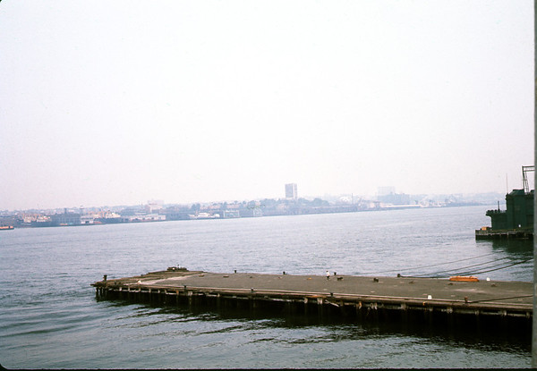 July 29, 1966. New Yourk - The Pier. Slide 66-1475.