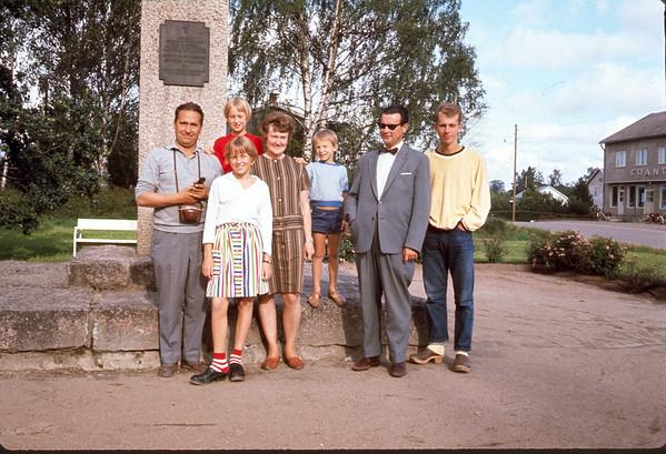 Swedish family. Lindelber - father, fadrum, Kirstin, Mrs. Kjel, papa, Jaren. Slide 66-1497.