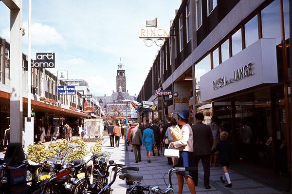 August 1966. Shopping center in Rotterdam. Slide 66-1490.