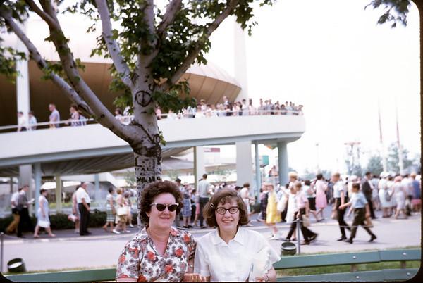 1965 - World's Fair - Kathy & Mrs. Hiddie. Slide 65-1271.
