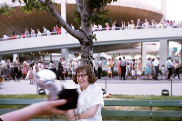 1965 - World's Fair - Kathy - SLide 65-1270