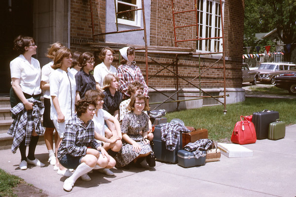 1965 - June 6. Before leaving at clintonville. - SLide 65-1232