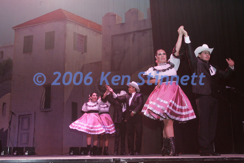 06-08 Showcase 200