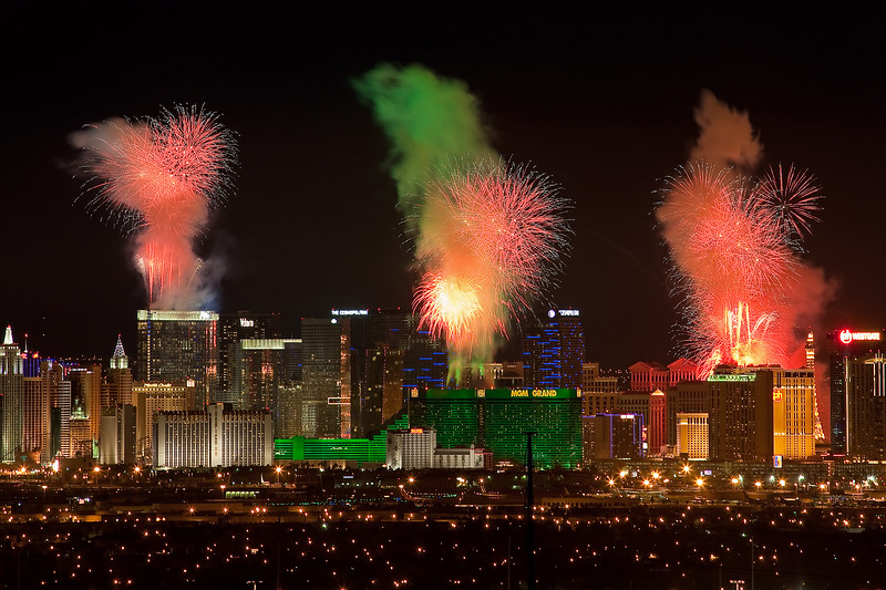 Fireoworks over the Strip
