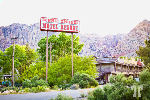 Bonnie Springs Motel Resort