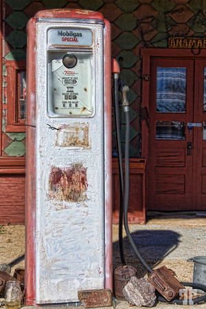 Mobilegas special - old gas pump in Choride, Arizona