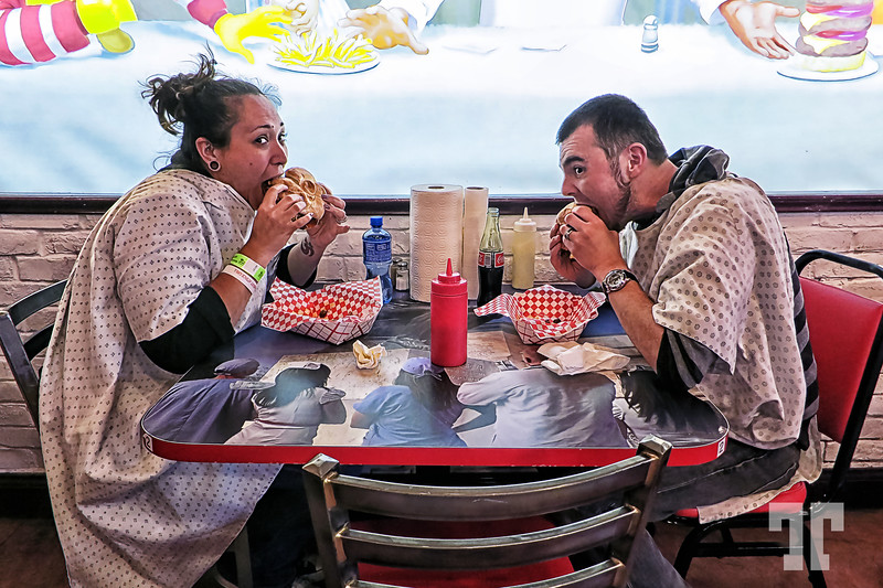 heart-attack-grill-table-3
