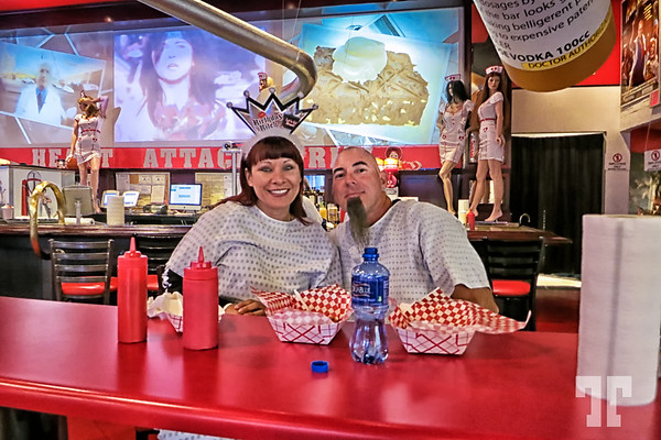 heart-attack-grill-satisfied-customers