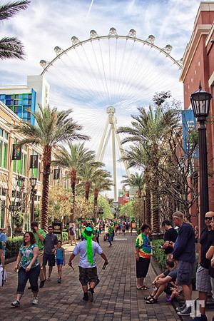 Linq High Roller Wheel viewed from Linq Promenade o St.Patrick.s Day