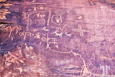 Petroglyphs at Atlatl Rock in the Valley of Fire State Park