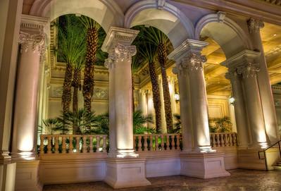 hotel-columns