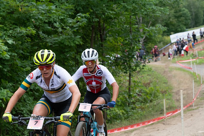 Rebecca Mcconnell (Australia) /  Jolanda Neff (Switzerland) - moment of fight for the silver medal