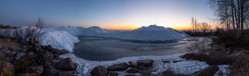 Peipsi järv ja rüsijää Nina külas / Lake Peipus and ice pile