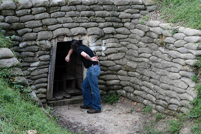 Oct. 1, 2009: Patrick at the entrance to the tunnel where Union soldiers dug and placed mines and made the Crater.