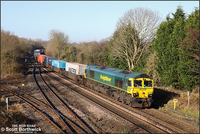 66568 passes Hatton whilst working 4O90 0608 Leeds FLT-Southampton MCT on 06/02/2020.