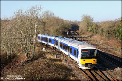 165005 creeps off the Stratford branch at Hatton whilst forming 1H34 1040 Stratford upon Avon-London Marylebone on 06/02/2020.