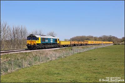 66789 passes Rearsby whilst working 6M60 Whitemoor Yard LDC-Mountsorrel Sdgs on 19/04/2021.