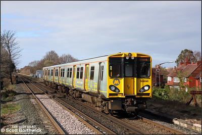 508141 approaches Port Sunlight whilst forming 2Y18 1419 SuO Ellesmere Port-Eleesmere Port via Liverpool Central on 24/03/2019.