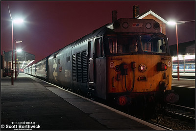 50036 'Victorious' at Salisbury after shunting 5R07 1755 FO Southampton-Salisbury ecs to an adjacent platform on 25/01/1991.