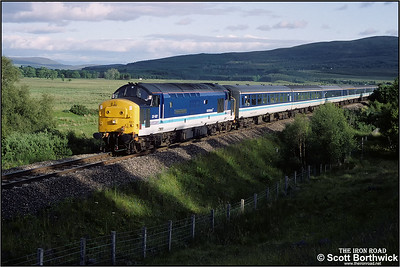 37427 'Highland Enterprise' accelerates away from Moy with 1H15 1535 Edinburgh Waverley-Inverness on 12/07/1993.