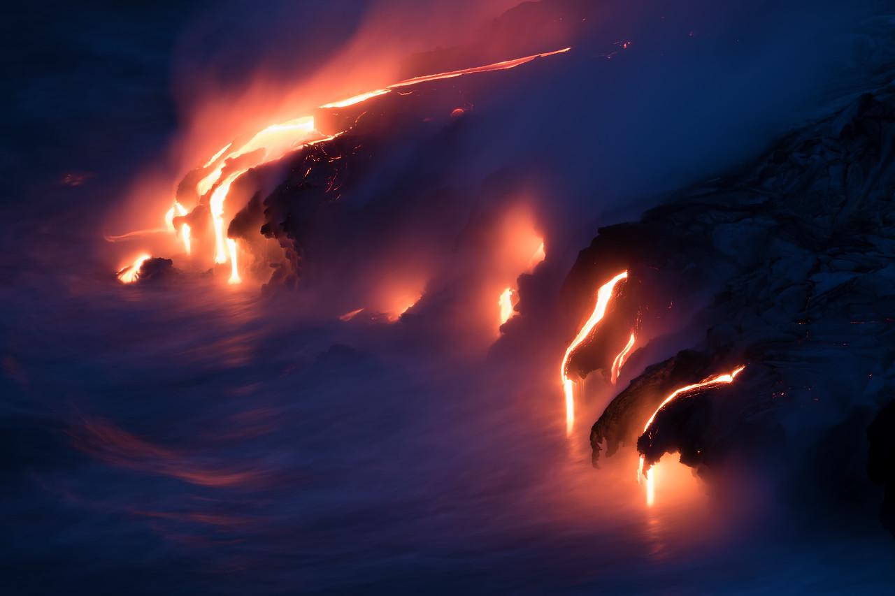 Kamokuna ocean entry, Hawaii Volcanoes National Park 08/21/2016 (long exposure)