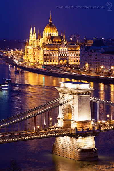 Chain bridge and Hungary Parliament